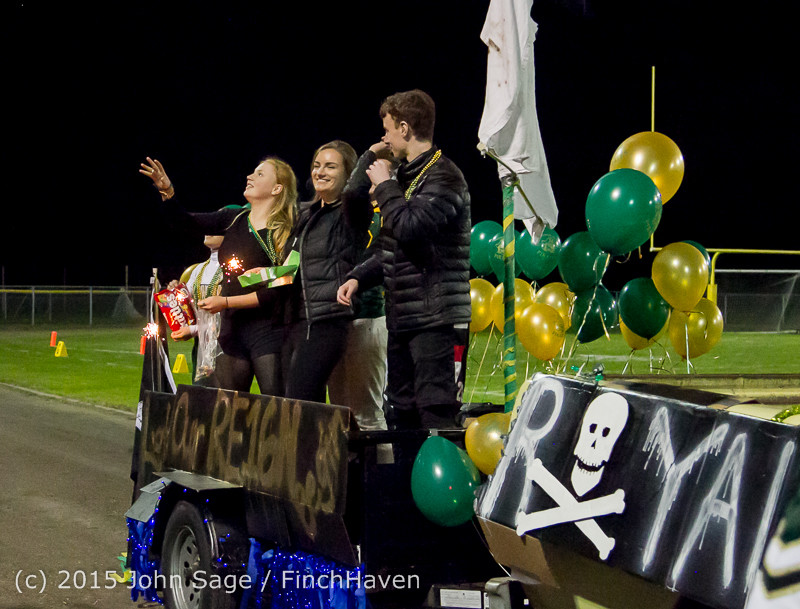 23381 VIHS Homecoming Court and Parade 2015 101615