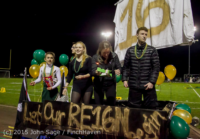23421 VIHS Homecoming Court and Parade 2015 101615