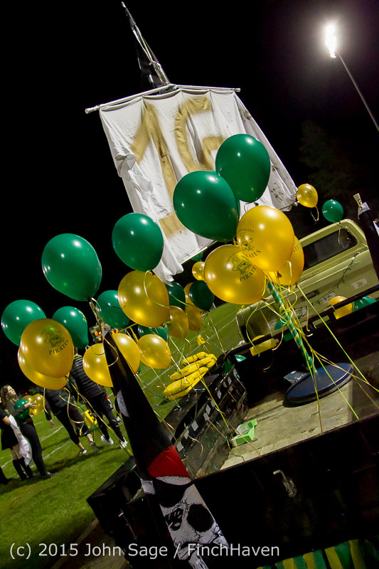 23457 VIHS Homecoming Court and Parade 2015 101615
