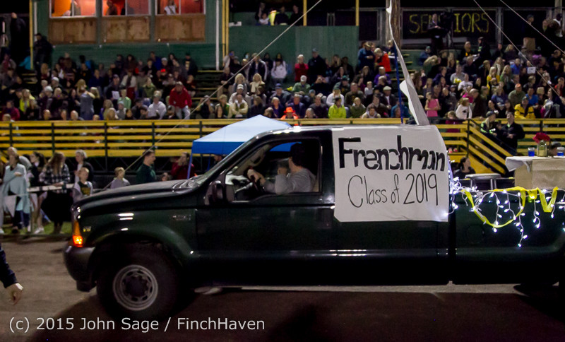 23707 VIHS Homecoming Court and Parade 2015 101615