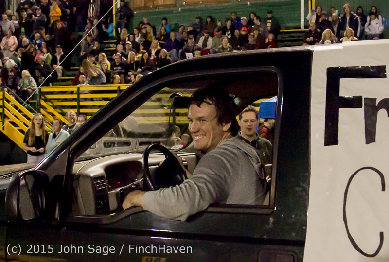 23713 VIHS Homecoming Court and Parade 2015 101615