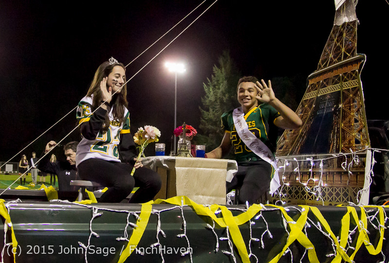 23754 VIHS Homecoming Court and Parade 2015 101615