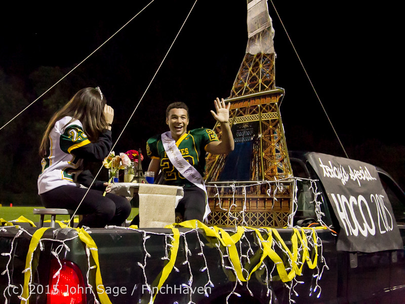 23764 VIHS Homecoming Court and Parade 2015 101615