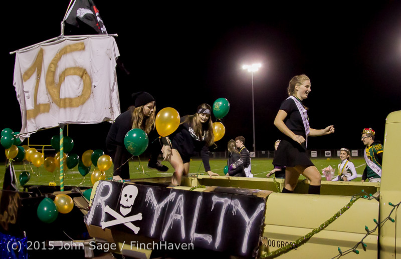 23881 VIHS Homecoming Court and Parade 2015 101615