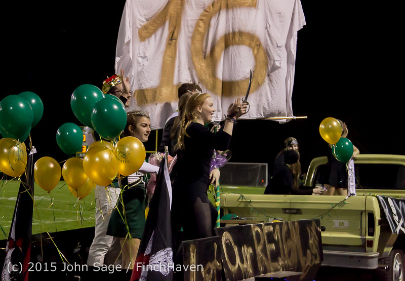 23958 VIHS Homecoming Court and Parade 2015 101615