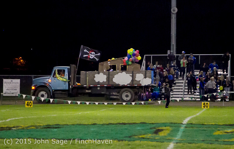 24008 VIHS Homecoming Court and Parade 2015 101615