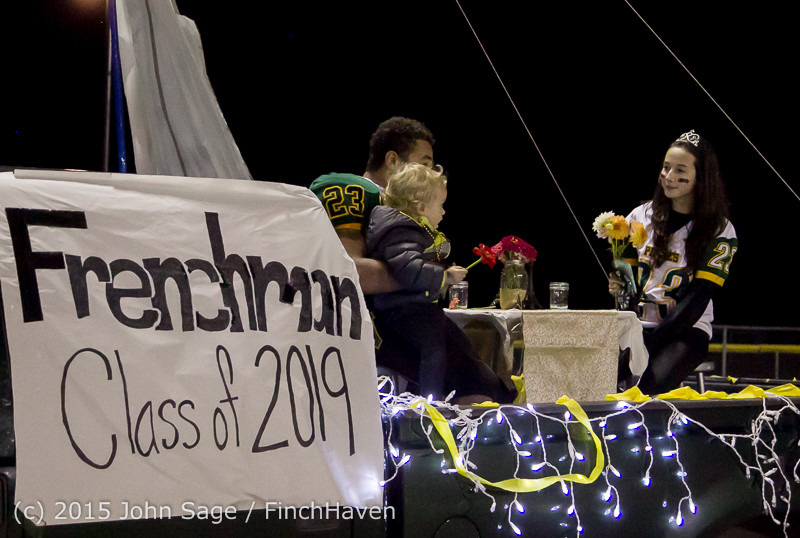 24016 VIHS Homecoming Court and Parade 2015 101615