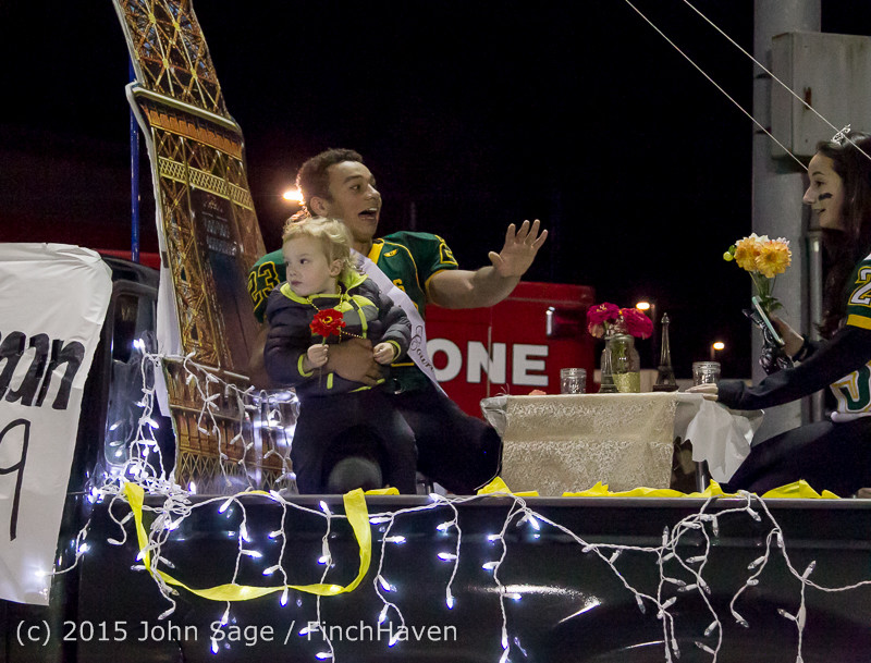 24032 VIHS Homecoming Court and Parade 2015 101615