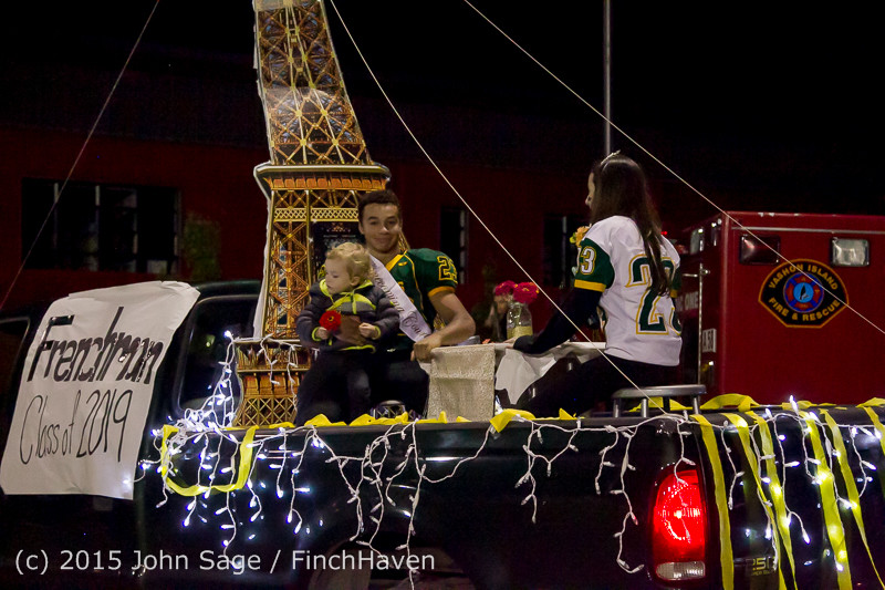 24043 VIHS Homecoming Court and Parade 2015 101615