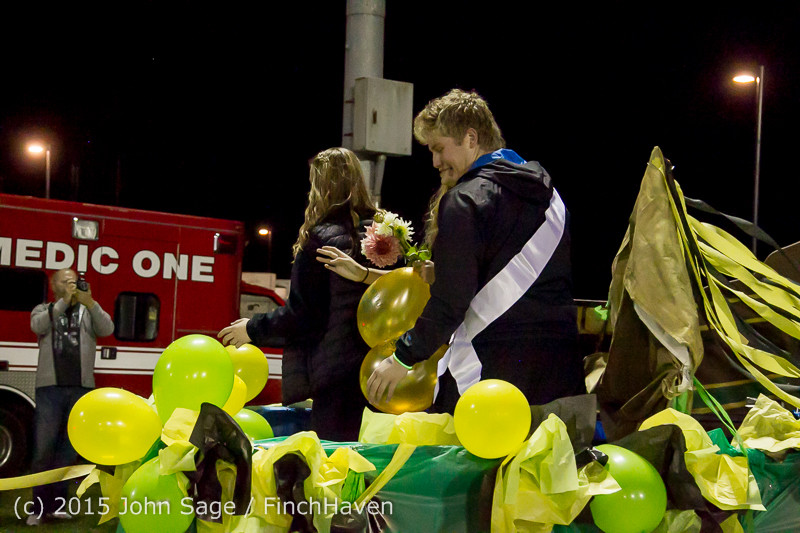 24129 VIHS Homecoming Court and Parade 2015 101615