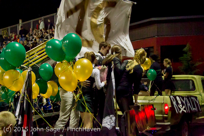 24198 VIHS Homecoming Court and Parade 2015 101615