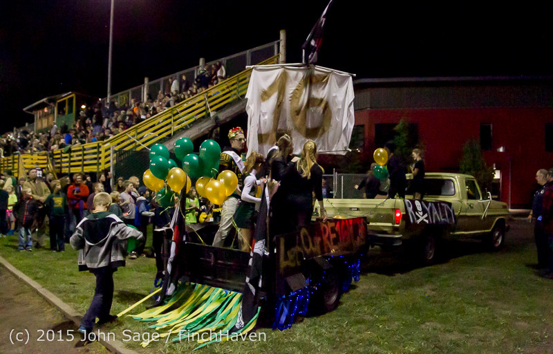 24213 VIHS Homecoming Court and Parade 2015 101615