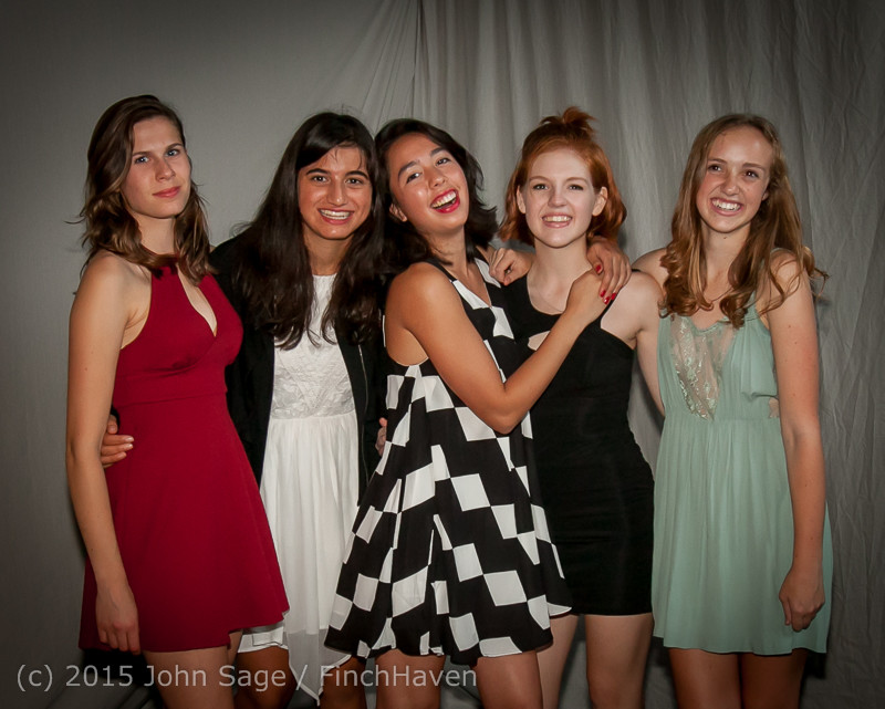9974-a_VIHS_Homecoming_Dance_2015_101715