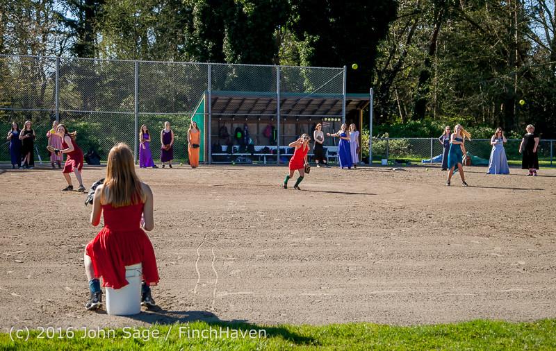 0441 VIHS Softball Prom 2016 040116