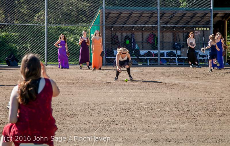 0450 VIHS Softball Prom 2016 040116