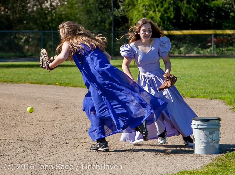 0471 VIHS Softball Prom 2016 040116