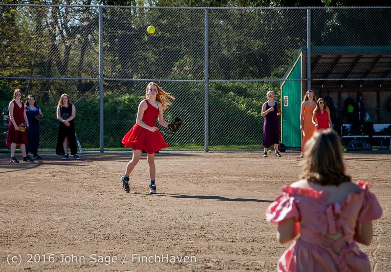 0496 VIHS Softball Prom 2016 040116