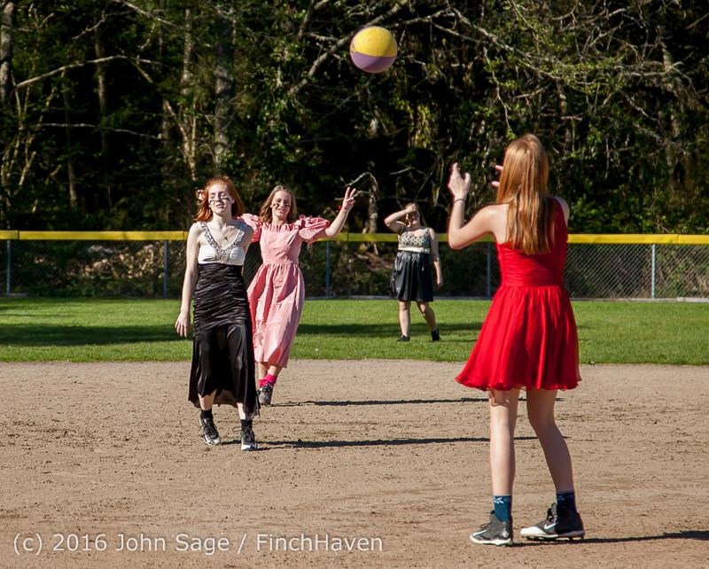 0675 VIHS Softball Prom 2016 040116