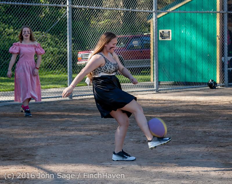 0834 VIHS Softball Prom 2016 040116