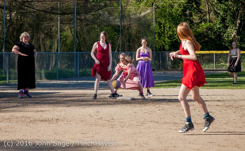 0913 VIHS Softball Prom 2016 040116
