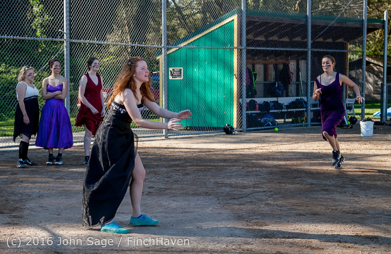 0943 VIHS Softball Prom 2016 040116
