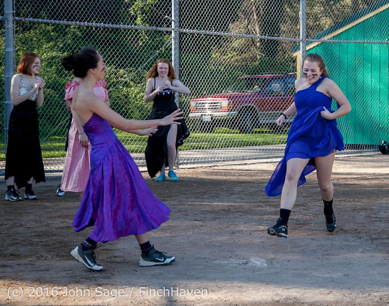 1090 VIHS Softball Prom 2016 040116