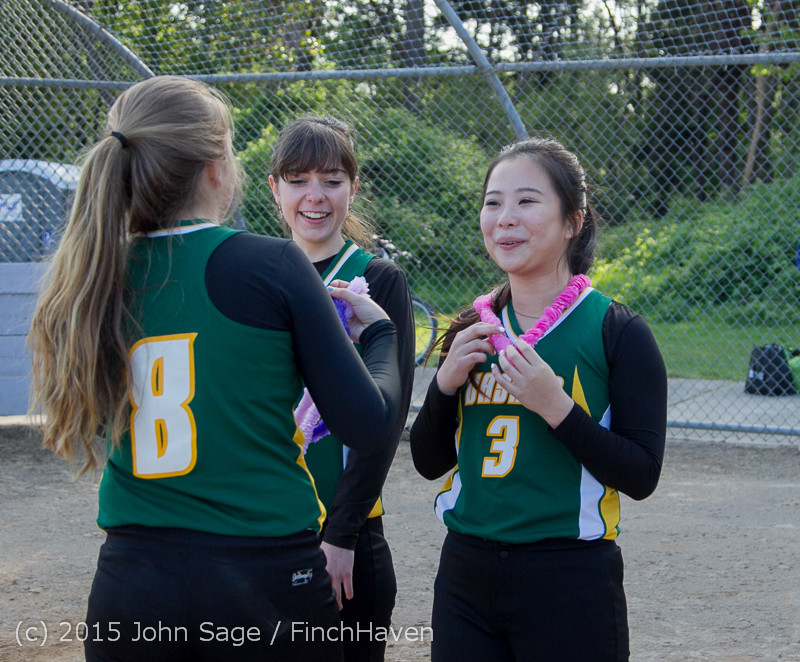 4004_VIHS_Softball_Seniors_Night_2015_042915