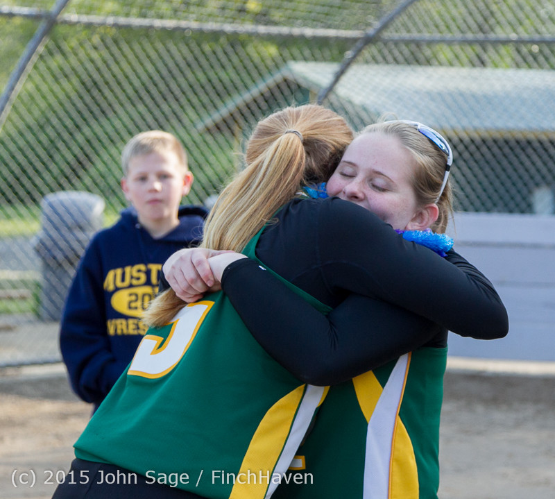 4414 VIHS Softball Seniors Night 2015 042915