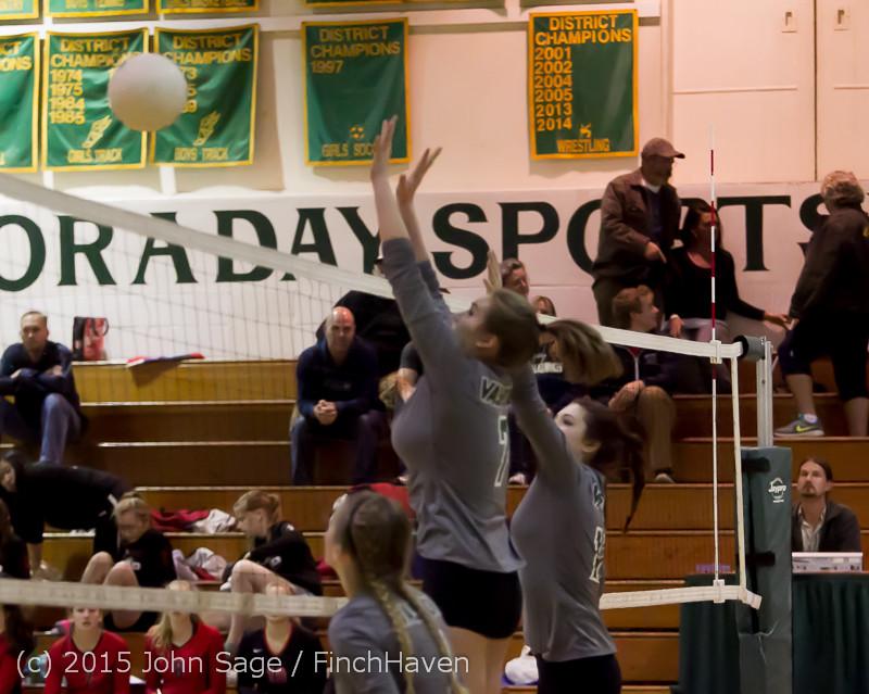 7811 Varsity Volleyball v Crosspoint 102315