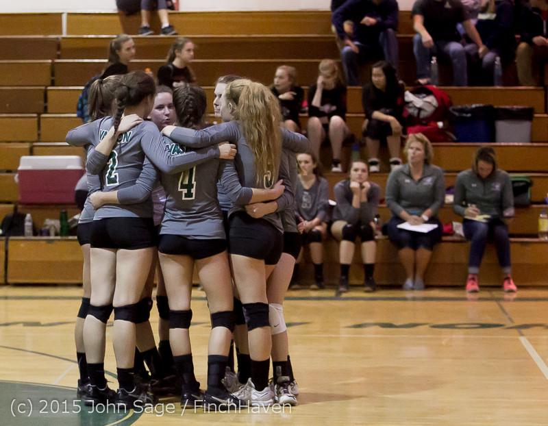 8002 Varsity Volleyball v Crosspoint 102315