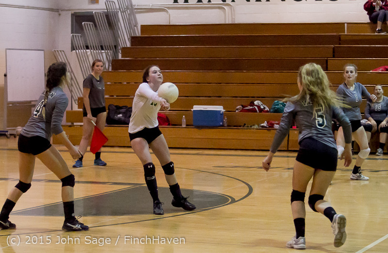 8505_Varsity_Volleyball_v_Crosspoint_102315