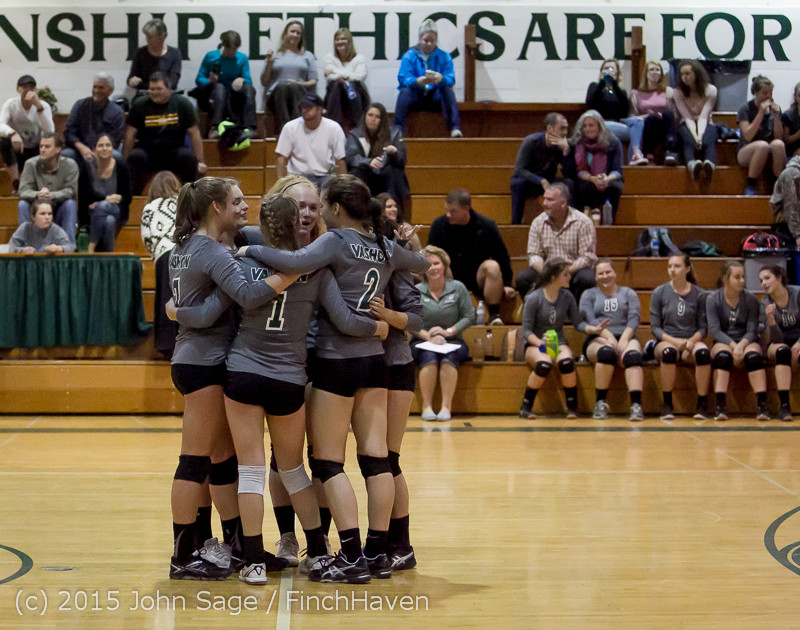 8979_Varsity_Volleyball_v_Crosspoint_102315