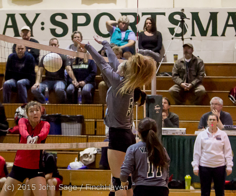 9500_Varsity_Volleyball_v_Crosspoint_102315