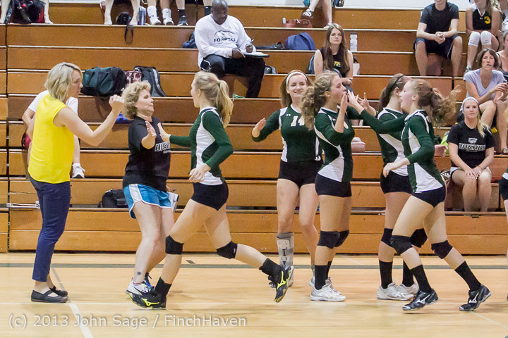 19103 Volleyball v Eatonville 091113