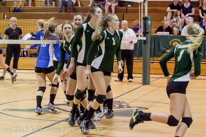 19119 Volleyball v Eatonville 091113