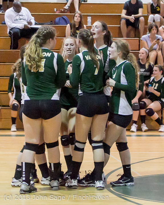 19132 Volleyball v Eatonville 091113