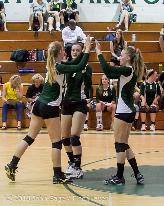 19142 Volleyball v Eatonville 091113