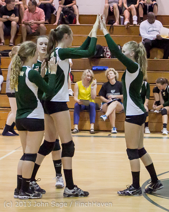 19152 Volleyball v Eatonville 091113