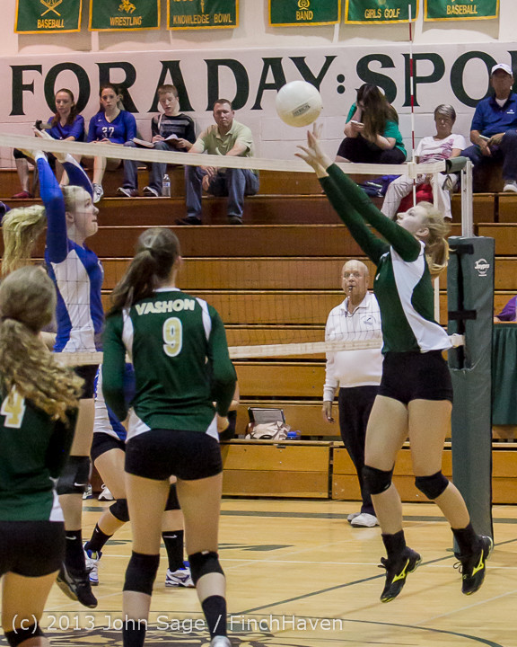 19164 Volleyball v Eatonville 091113