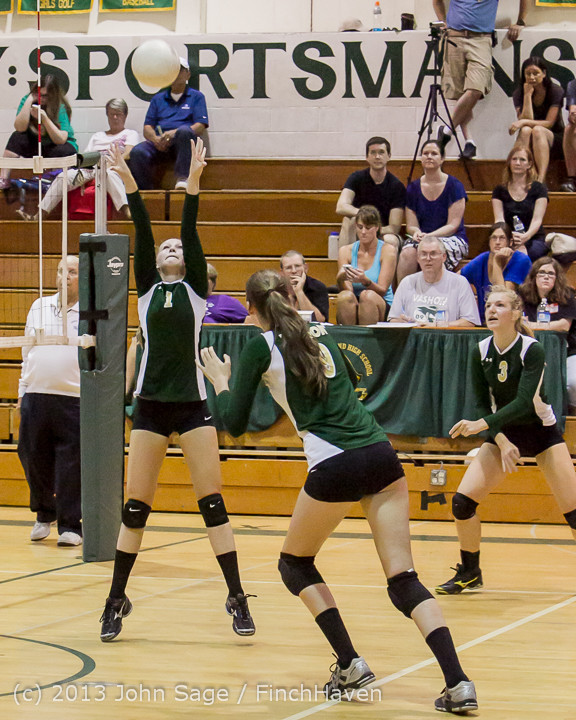 19181 Volleyball v Eatonville 091113