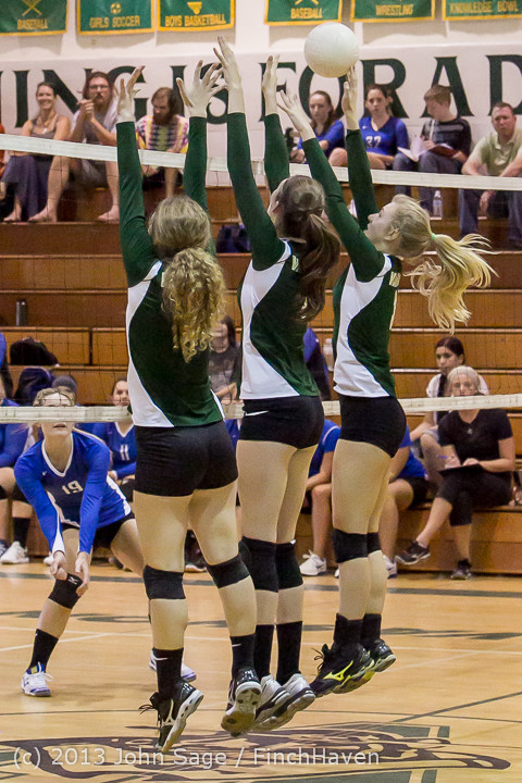 19206 Volleyball v Eatonville 091113