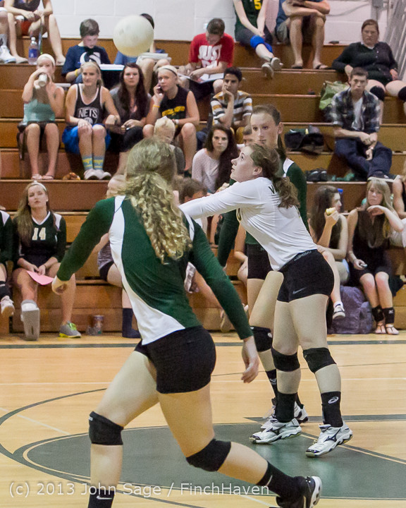 19236 Volleyball v Eatonville 091113
