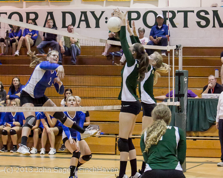 19248 Volleyball v Eatonville 091113