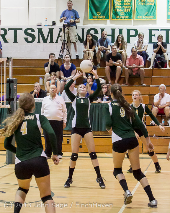 19252 Volleyball v Eatonville 091113