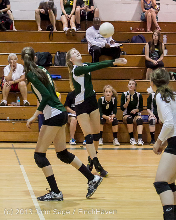 19285 Volleyball v Eatonville 091113