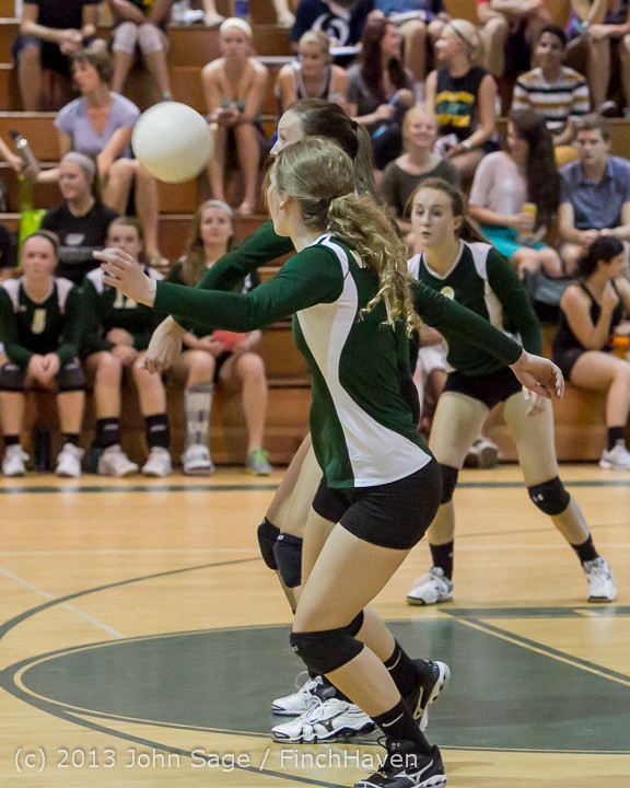 19331 Volleyball v Eatonville 091113