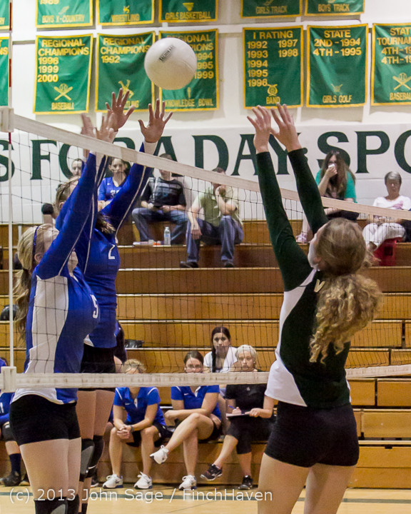 19343 Volleyball v Eatonville 091113