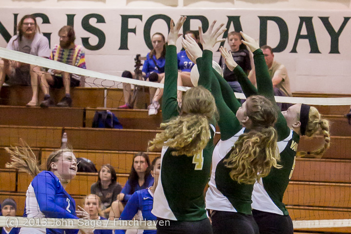 19429 Volleyball v Eatonville 091113