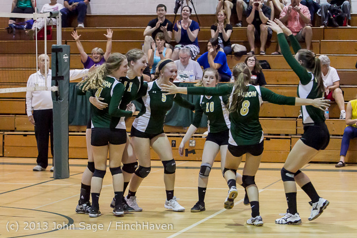 19433 Volleyball v Eatonville 091113