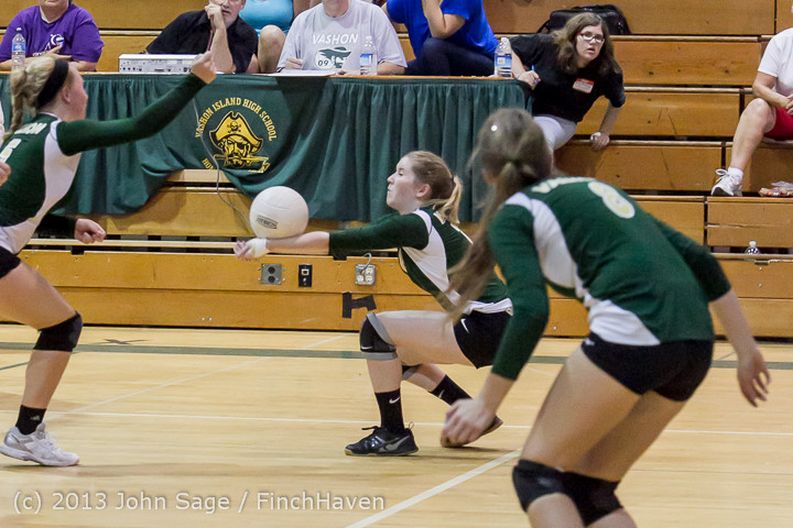 19465_Volleyball_v_Eatonville_091113